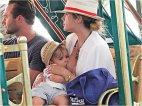 სელფის  ნაირსახეობა  brelfie-ბავშვის კვების დროს გადაღებული ფოტოები ახალი ინტერნეტ-გატაცება გახდა