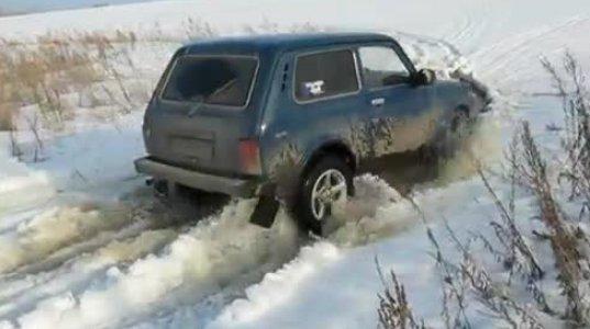 ნივა თოვლში