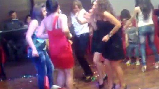 ქართველი გოგოების ცეკვა ნახეთ,გაოგნდებით